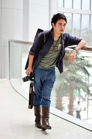 dark brown boots - blue jeans - navy sweater - army green t-shirt