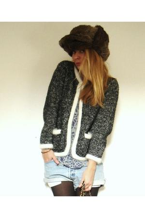 H&M cardigan - SANDRO t-shirt - Levis shorts - Vintage chapka accessories