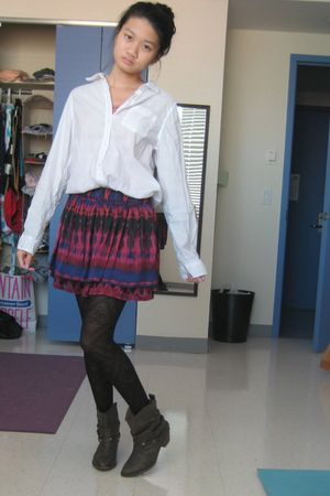 white shirt - pink skirt - black tights - brown boots