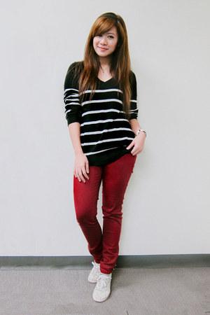 maroon denim Forever 21 jeans - black stripes Forever 21 sweater