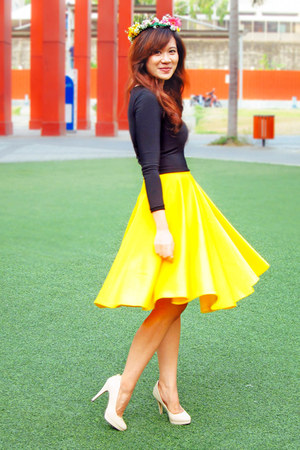 black apartment 8 top - yellow full circle apartment 8 skirt