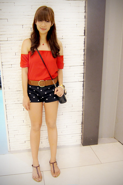black polka dot Zara shorts - red cold shoulder apartment 8 top