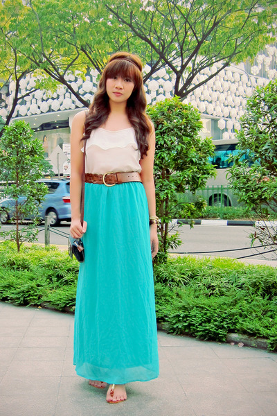 white ruffled Bayo top - aquamarine maxi Forever 21 skirt