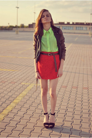 red cotton Never Enough skirt - dark brown leather jacket Topshop jacket