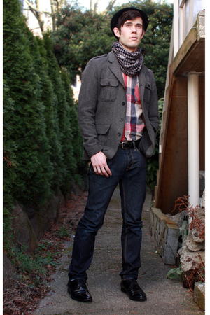 black H&M hat - gray H&M jacket - red Urban Outfitters top - gray gift scarf - b