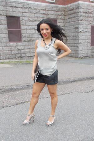 Rampage shorts - le chateau top - le chateau sandals