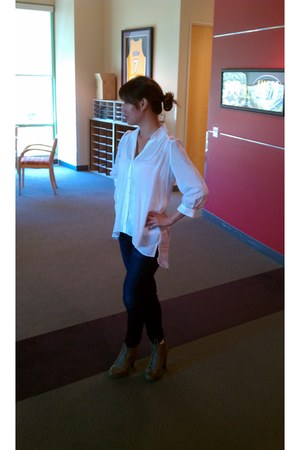 taupe Qupid Shoes boots - blue JBrand Jeans jeans - white h&m shirt shirt