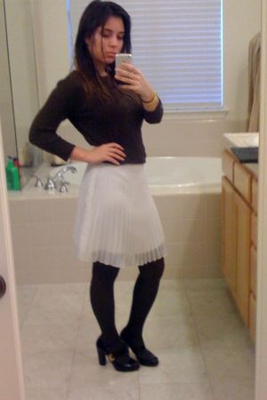 gray tights - black shoes - brown sweater - white skirt