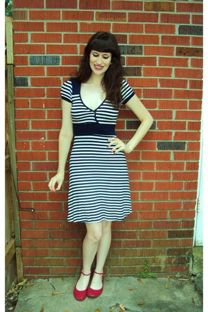 red Old Navy flats - navy striped Forever 21 dress