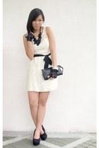 ivory dress Forever 21 dress - black www necklace