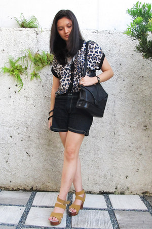 leopard print top - black Tignanello bag - navy denim shorts - mustard wedges