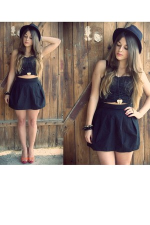 black hathat hat - black second hand blouse - black H&M skirt