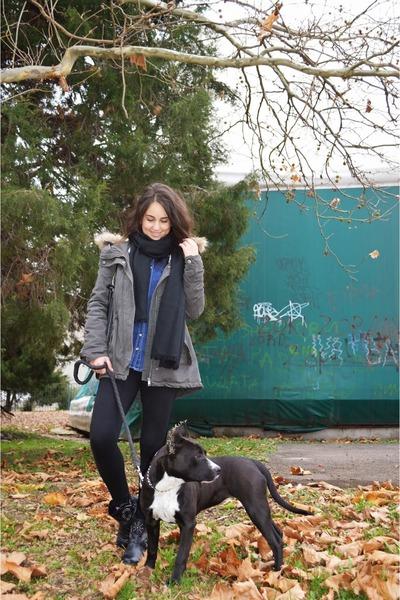efab9b4b80f2f Dog walk. Updated on Mar 02, 2016. black Bershka boots - army green parka  Bershka jacket - black Bershka leggings