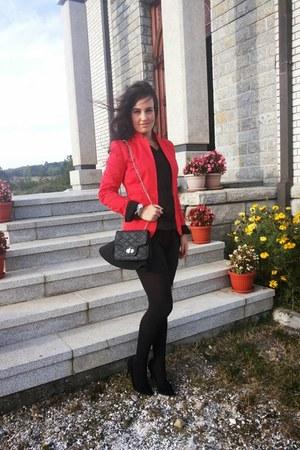 Stradivarius blazer - Bershka shirt - H&M skirt - Mango heels
