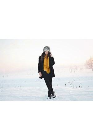 black vintage coat - silver H&M sweater - yellow Stradivarius scarf