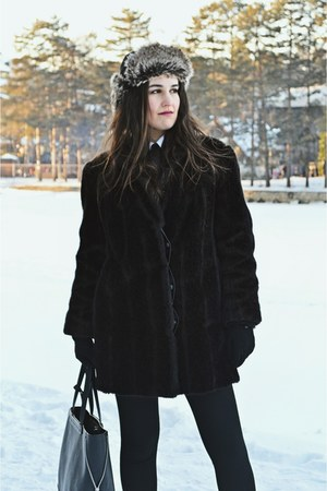 black fur H&M hat - black leather Stradivarius boots - black fur vintage jacket