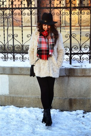 black Stradivarius boots - black H&M hat - cream Zara jacket