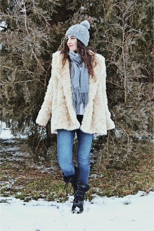 cream Zara coat - navy denim Mango jeans - heather gray H&M hat