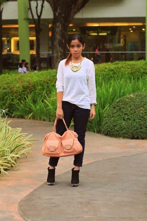 peach bag from ava Ava Tes closet bag - black booties Primadonna boots