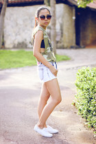 army green muscle Forever 21 shirt - blue acid wash denim Forever 21 shorts