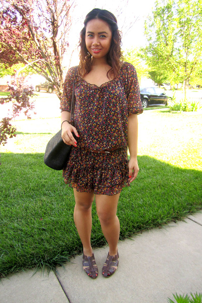 a11155a22008 dark brown dress - black bag - brown sandals