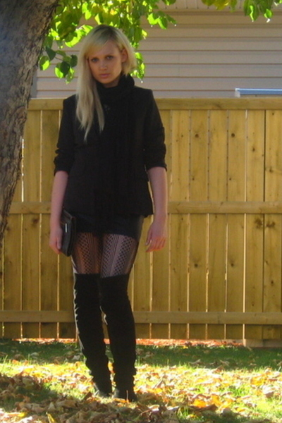 vintage shoes - forever 21 top - American Apparel skirt - Urban Planet tights