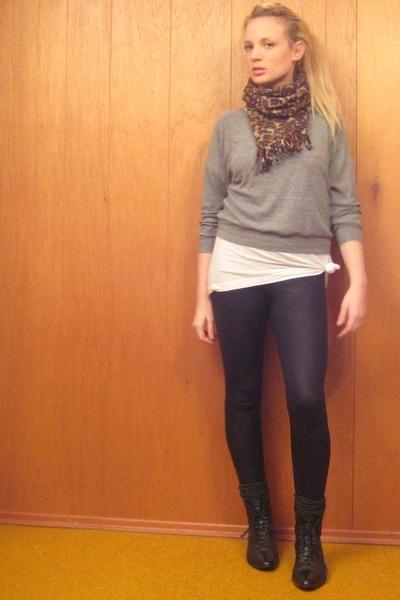 American Apparel t-shirt - American Apparel sweater - American Apparel pants - v