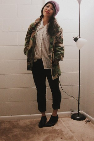 vintage shirt - leather ankle shoemint boots - camo army US Army jacket