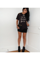 black vintage t-shirt - black Gap skirt - black sam edelman shoes - black gifted