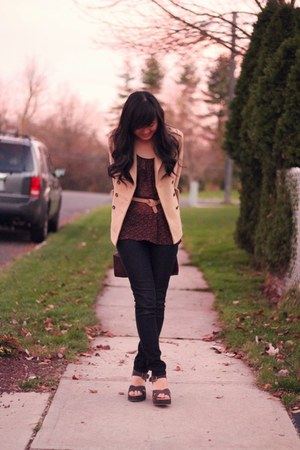 beige Forever 21 coat - navy Forever 21 jeans - crimson Trendenzas bag