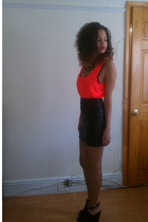 leather H&M skirt - black Forever 21 shoes - neon H&M top