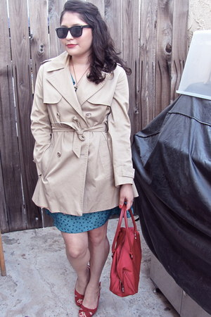 Forever 21 dress - vintage coat - vintage sunglasses - Aldo heels