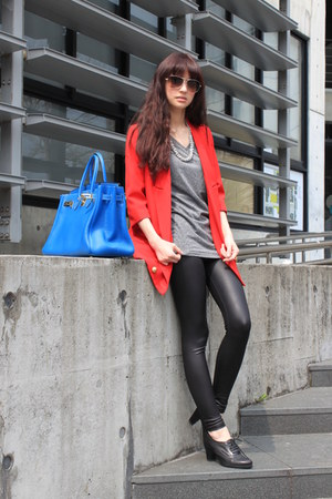 red blazer - black leggings - heather gray shirt - blue bag