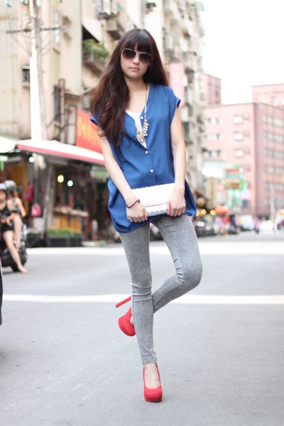 red heels - heather gray pants - navy top