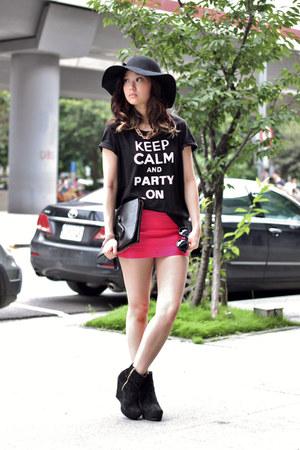 black H&M top - hot pink Taipei skirt