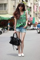 green top - black bag - white flats