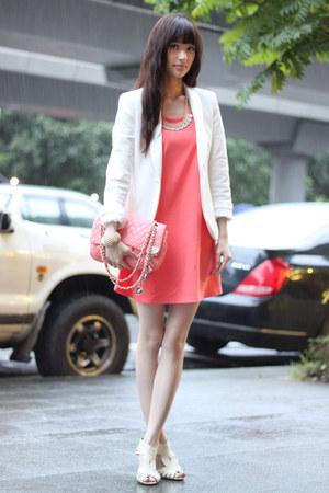 white Zara blazer - salmon Chanel bag