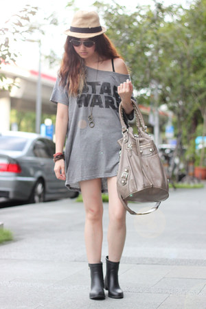 light brown balenciaga bag - black Hunters boots - heather gray H&M top