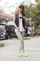 black H&M vest