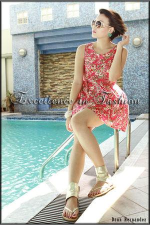 beige Forever21 sunglasses - blue httpjerellasalesmultiplycom earrings - pink ht