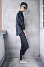 Silver-wade-shoes-black-forever-21-leggings-black-vinatge-shirt