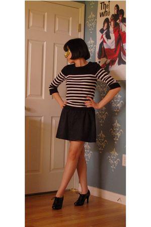 black Target shoes - black Forever 21 sweater