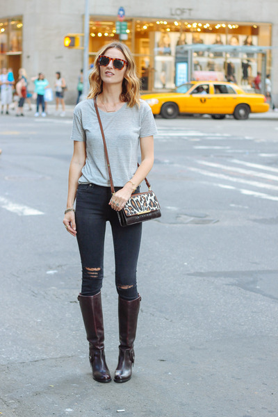 black skinny madewell jeans - crimson leather Ariat boots