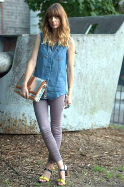 blue chambray Marshalls shirt - violet skinny free people jeans
