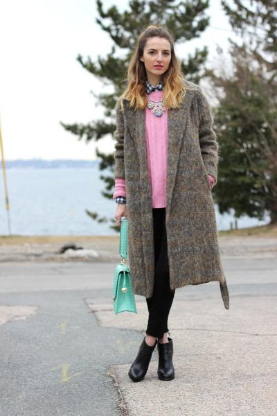 bubble gum statement Capwell  Co necklace - black distressed Paige jeans