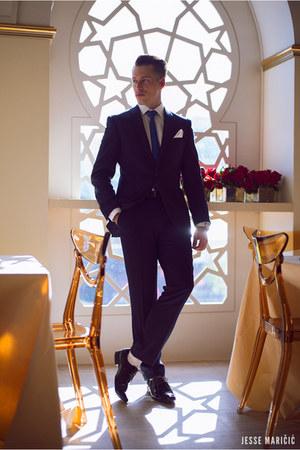 black shoes Windsor Smith shoes - navy suit TM Lewin blazer