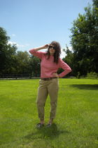 red vintage top - beige madewell pants - silver UO shoes
