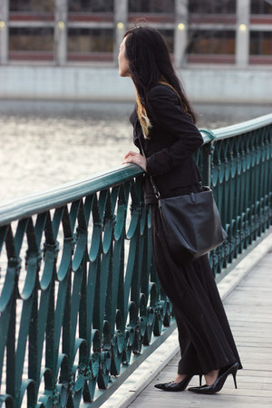 black calvin klein blazer - black shoulder bag Zara bag