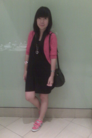 pink mangga dua cardigan - black distro dress - pink Converse shoes - black Onli