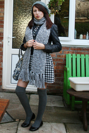 Accessorize hat - Primark scarf - Topshop jacket - Topshop dress - River Island
